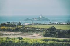 与Godrevy灯塔的风景 免版税库存照片