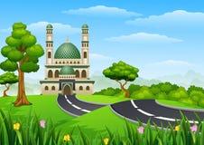与Green Dome的伊斯兰教的清真寺大厦在森林里 图库摄影