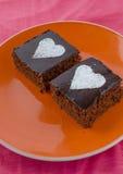 与heards的巧克力蛋糕从糖 图库摄影
