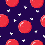 与lychee和白色心脏的夏天样式 动画片样式 纺织品和包裹的装饰品 向量背景 免版税库存图片