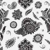 与mehndi元素的无缝的样式 与风格化花,叶子,印地安人佩兹利的花卉墙纸 传染媒介黑色和 库存照片