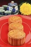 与mooncakes的茶具 库存照片
