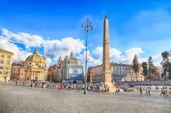 与Piazza del Popolo People ` s正方形的都市风景在罗马, Ital 库存图片