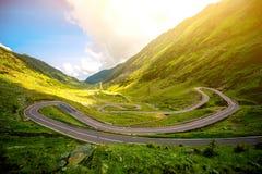 与serpantine路的风景 免版税库存照片