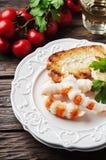 与shripms和白葡萄酒的意大利开胃小菜 免版税图库摄影