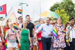 与Socialdemokraterna瑞典政党,斯蒂芬勒文领导人的骄傲游行  库存图片
