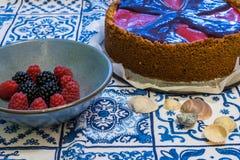 与softfruits的纽约乳酪蛋糕 免版税图库摄影
