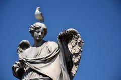 与Sudarium的天使 免版税库存照片