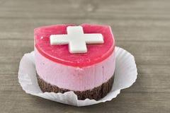 与Suisse旗子的蛋糕 免版税库存照片