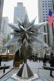 与Swarovsky水晶星的施华洛世奇水晶精品店在洛克菲勒中心在曼哈顿 图库摄影