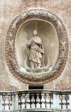 与Torre小山谷` Orologio `尖沙咀钟楼`的Palazzo della Ragione 曼托瓦, 库存图片