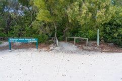 与Whitsundays海岛国家公园标志的Whitehaven海滩 库存照片