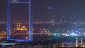 与Zabeel Masjid清真寺的迪拜框架被照亮在夜timelapse 影视素材