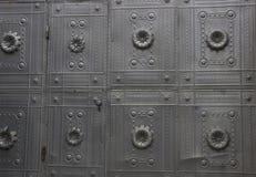丑恶的金属墙壁可能为背景使用 库存照片