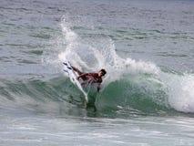 专业冲浪者-木桶匠沿街叫卖者- Merewether澳洲 库存照片