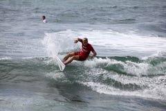 专业冲浪者-杰克Dugan - Merewether澳洲 库存照片