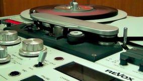 专业减速火箭的录音磁带甲板记录器机器 影视素材