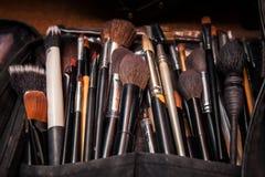 专业化妆师集合专业化妆用品刷子  免版税库存照片