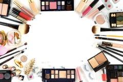 专业化妆用品顶视图的构成在白色孤立的 免版税库存照片