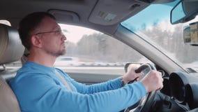 专业司机高速驾驶汽车在高速公路 股票录像