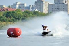 专业喷气机滑雪车手竞争在Palazz喷气机滑雪冠军 免版税库存照片