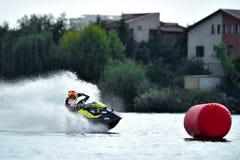 专业喷气机滑雪车手竞争在Palazz喷气机滑雪冠军 免版税库存图片
