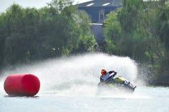 专业喷气机滑雪车手竞争在Palazz喷气机滑雪冠军 库存照片