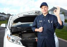专业汽车机械师。 免版税库存照片