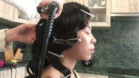专业美发师和化妆师 影视素材