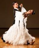 专业舞厅舞夫妇预先形成陈列舞蹈 免版税图库摄影