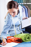 专业裁缝 免版税库存图片