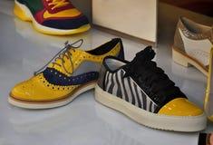 专利发光的鞋子 库存图片