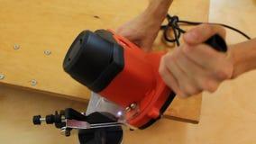 专家回顾的新的木材锯床,测试可利用的功能 影视素材
