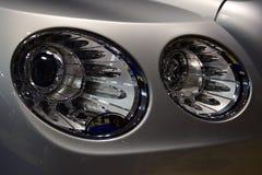 专属现代大型高级轿车圆的LED车灯  免版税库存照片