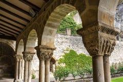 专栏的资本在圣佩德罗de la Rua,圣彼得的教会教会的修道院在埃斯特拉Lizzara,纳瓦拉 库存照片