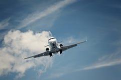 专用喷气机的着陆 免版税库存图片