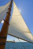 专用风帆游艇的视图。 免版税图库摄影