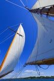 专用风帆游艇的视图。 免版税库存照片