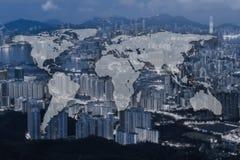 世界全球性绘图全球化,在蓝色口气都市风景 库存图片