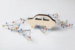世界基础设施地图和木汽车形象 图库摄影