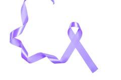 世界巨蟹星座天紫色丝带 库存照片