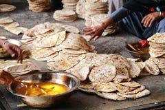 世界最大的自由厨房Harmandir Sahib (金黄寺庙) 免版税图库摄影