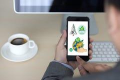 世界环境日地球地球生态树和绿色叶子w 免版税库存图片