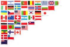 世界的不同的国家的国旗位于左边的对角地 免版税库存图片