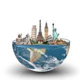 世界的纪念碑在一杯的水 库存照片