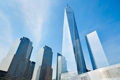 世界贸易中心一号大楼摩天大楼和玻璃大厦在纽约 图库摄影