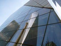 世界贸易中心一号大楼的反射 免版税库存图片