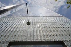 世界贸易中心一号大楼从下面, NYC 免版税库存图片