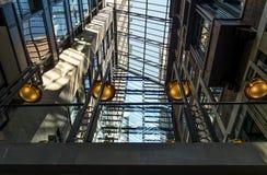玻璃曲拱屋顶 免版税库存照片