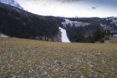 世界滑雪人Ita下坡种族 库存图片